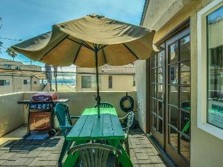 SoCal paradise with refreshing ocean views - close to the beach and boardwalk!, San Diego