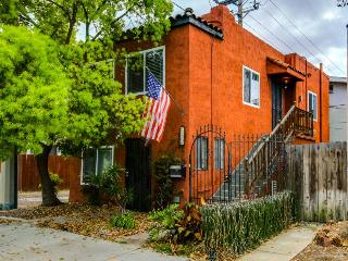 Remodeled, chic condo in the heart of North Park - convenient location!, San Diego
