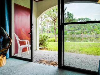 Stylish, ground-level condo w/shared pool, sauna, tennis, & beach access!, Panama City Beach