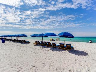 Stylish studio condo w/shared pool & beach tram access!, Panama City Beach