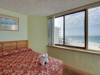 Well-stocked, waterfront beach condo w/ pool - snowbirds welcome! Couples trip!