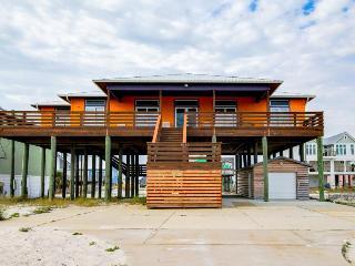 Fantastic home for 12 w/beach access & Gulf views, golf cart - snowbirds welcome