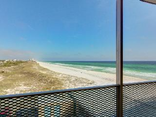 Studio w/ private beach access, a community pool, and oceanfront views!, Panama City Beach