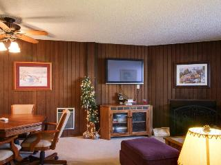 Dog-friendly condo near slopes w/mountain views and shared hot tub & sauna!, Brian Head