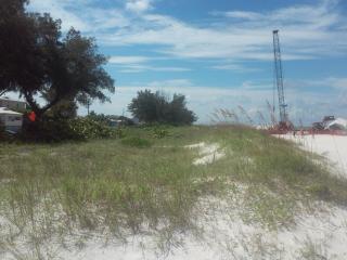 AMICoastal Beach Dreams - 'Day Dreams', Bradenton Beach