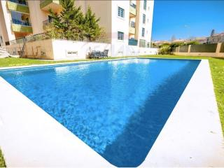 Beautiful Pool house in beach village of Estoril