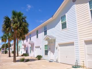 4BD/3BA The Coastal Condo - Walk To The Beach!