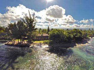 Home of the Hula Moon, Puako