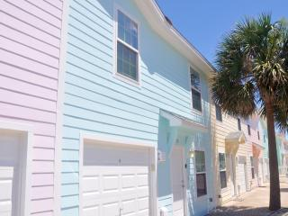 4BR / 3BA Bahama Breeze Walk To The Beach, Port Aransas