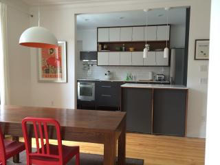 SUPERB BRIGHT APARTMENT, in MONTREAL, ALL INCLUDED
