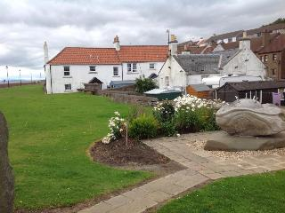 Woodside, holiday home in West Wemyss with WiFi