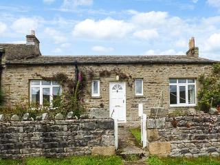 AROS, end-terrace, open fire, dog-friendly, near Reeth, Ref 923134