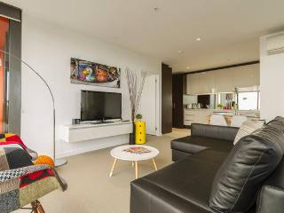 Spacious 2BR-2BTH CBD Apartment Ensuite, Melbourne
