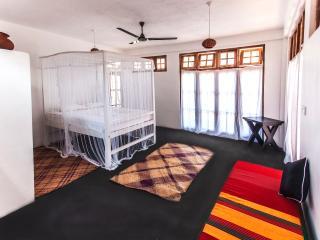 Mirissa Light House. A Private beach house for 2.