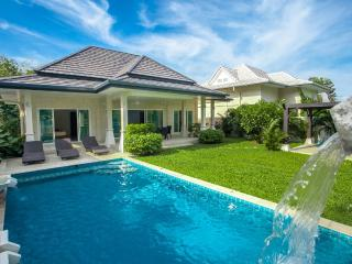VICTORIA- 2BR Pool Villa with Garden View