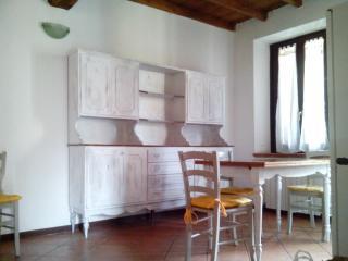 casa in corte lombarda comoda per Milano/Malpensa, Magenta