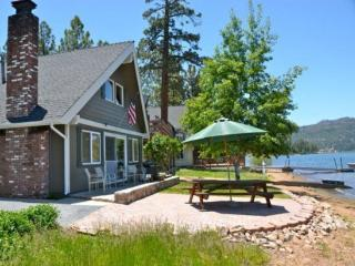 Lagunita Lakefront:Beautiful Lakefront with Amazing Views and Seasonal Dock!
