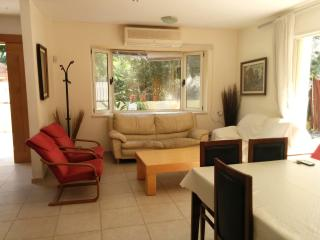Large cottage in East Raanana, Ra'anana