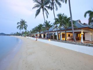 *Please Enquire For Special Rates* Stunning 5 bed beachfront villa Frangipani