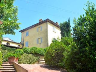 Villa Mocarello between Siena and Florence