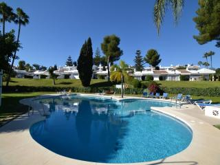 2 bedroom Apartment with Pool, Air Con and WiFi - 5001655