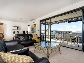 Auckland Viaduct Airconditioned Apartment 2 Bedrooms, 2 Bathrooms,  Carpark