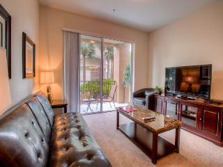 See Orlando with all the comforts of home in this beautiful Vista Cay condo!
