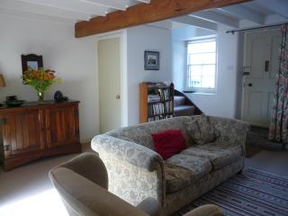 Cosy, quiet and comfy cottage for two, 40 mins Edinburgh., Biggar