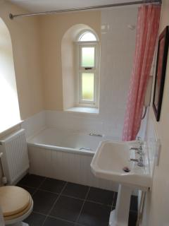 Family bathroom, West Lodge
