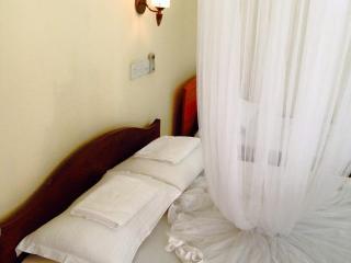 Holiday Inn Unawatuna  rooms for 3