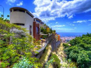LUXURY villa with private pool&ocean view OFFER!!!, Santa Cruz de Tenerife