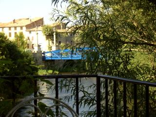QUILLAN RIVERSIDE TOWNHOUSE  WONDERFUL LOCATION, Quillan
