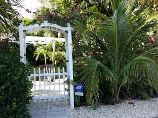 Oceanside cottage in Summer Place, Vero Beach