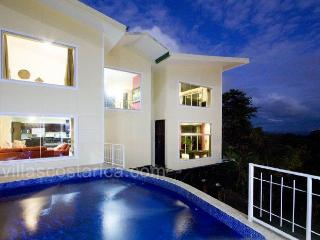 Casa del Sol-Fully A/C, Game Room, Ocean Views, Manuel Antonio National Park