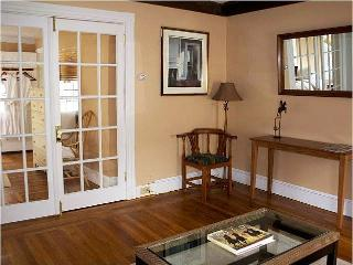 Historic Bed And Breakfast In Downtown Newport