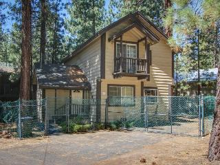 Dog-friendly home only five blocks from Heavenly Mountain Resort, South Lake Tahoe