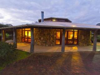 Cowara House - 20% off for new 5+ night bookings for January 2017, Gracetown