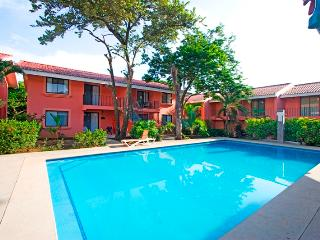 Close to the beach, 2BR condo at Flamenco Rosa, Playa Ocotal