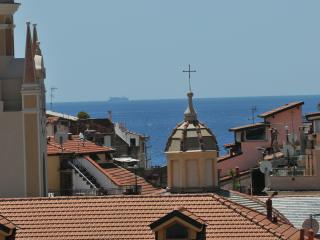 Sanremo: in the city centre with the seaview