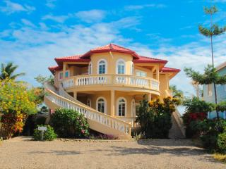 Blue Parrot Beach House - 4 Bedrooms, Sleeps 12, Oceanfront