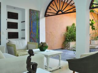 3 Bedroom Old City Charming Villa, Cartagena