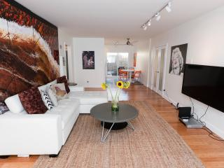 HUGE NEW Modern 2 Bdrm+HOLLYWD+WIFI+HDTV+A/C+PRKG, Los Ángeles