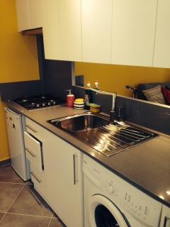 Yellow Apartment (Ground Floor)