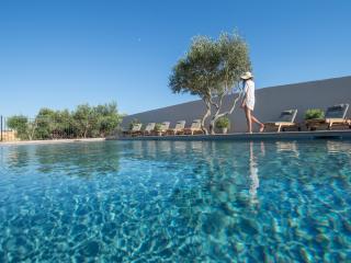 VILLA MADRA location de charme avec piscine, Bonifacio