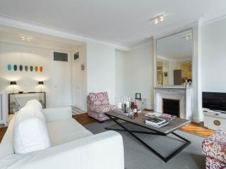 Elegant spacious 2 bed apartment in Nice