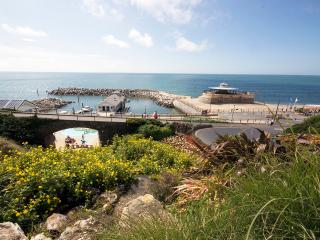 Luxury Apartment with balcony & fabulous sea views, Ventnor