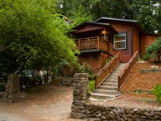 Russian River Bungalow at Rio Nido, Guerneville