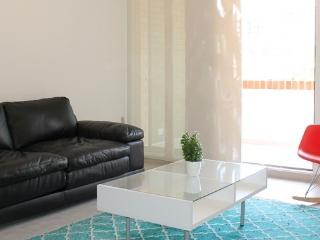 SPACIOUS THREE BEDROOM APARTMENT IN POBLADO
