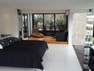 MODERN LUXURIOUS 2 BEDROOM PENTHOUSE IN POBLADO, Medellin