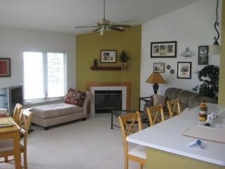Treetop Condo on Geneva National Golf Course, Lake Geneva